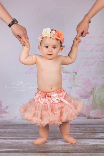 smash cake photo session baby and her parents Karine Majet photographe