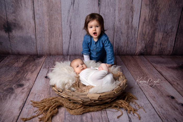 newborn photo session antony top family picture with sister and brother karine majet photographer