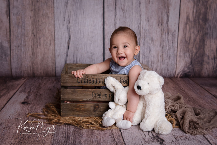 baby photographer garches with karine majet who is specialized with family sessions