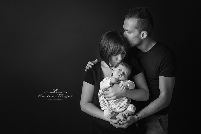 shooting-famille-photo-speciale-naissance-studio-photo-karine-majet