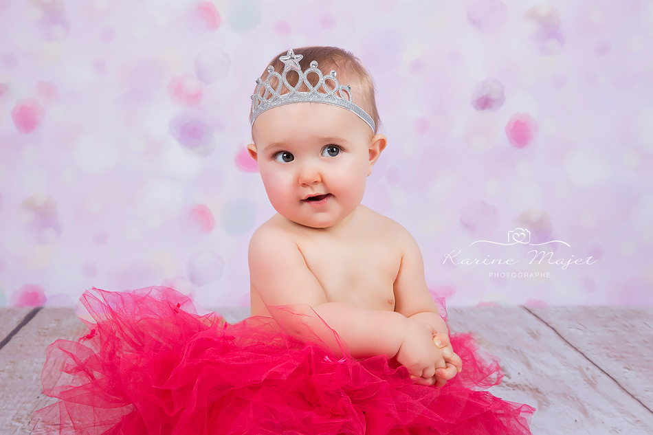 shooting photo sourire enfant fille tutu rose couronne karine majet photographe paris