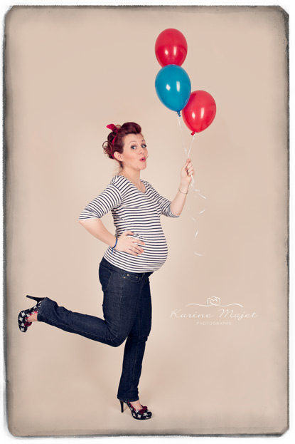 seance-photo-grossesse-annees-50-maman-ballon-karine-majet-photographe