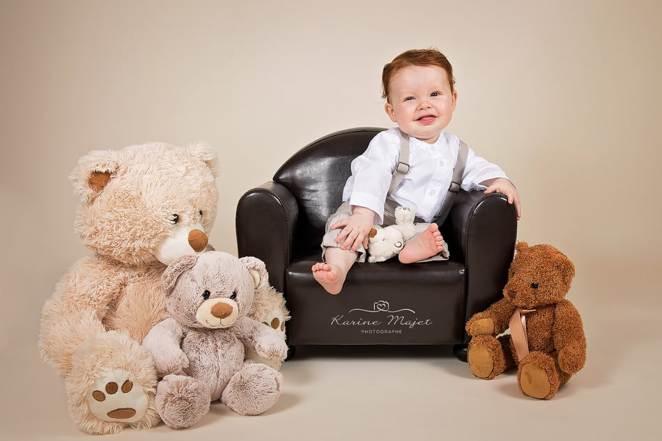 8 month baby photo shoot toys teddy bears karine majet photographe studio