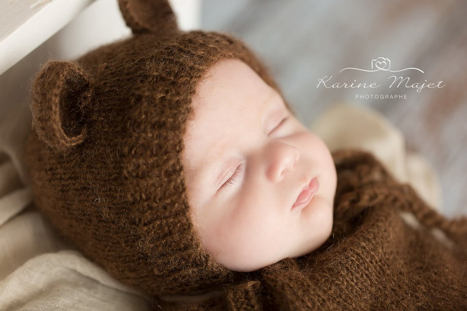 baby-photo-shoot-palaiseau-karine-majet-photographe-newborn-portrait-bear-bonnet