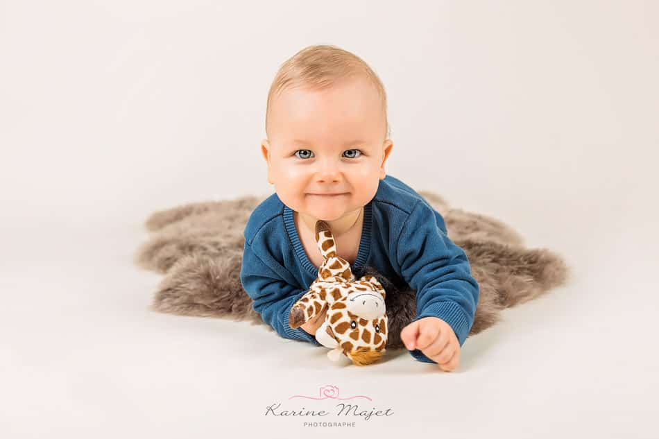 baby photographer Garches smiling baby portrait