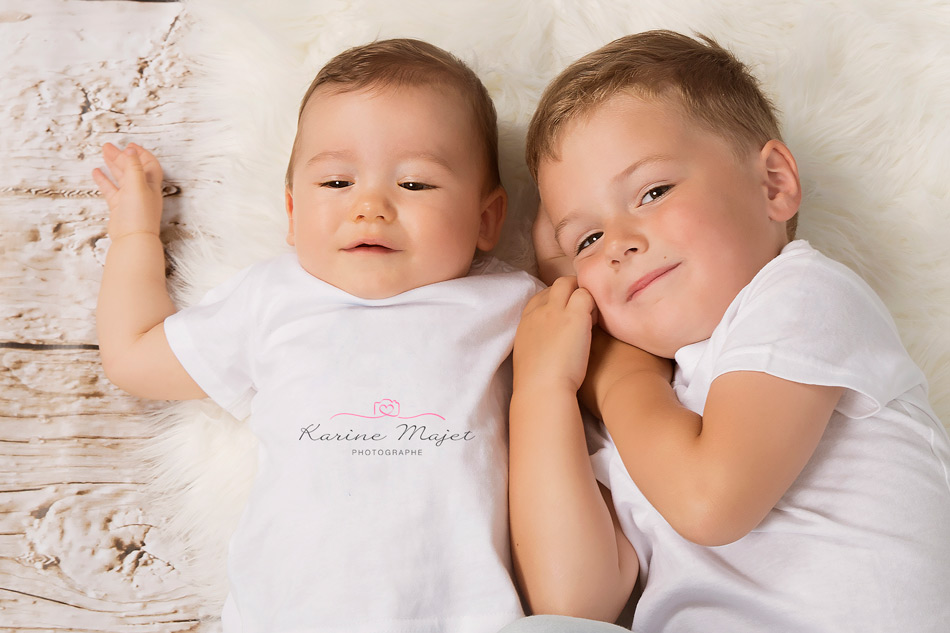 kid photo shoot siblings Karine Majet photographe