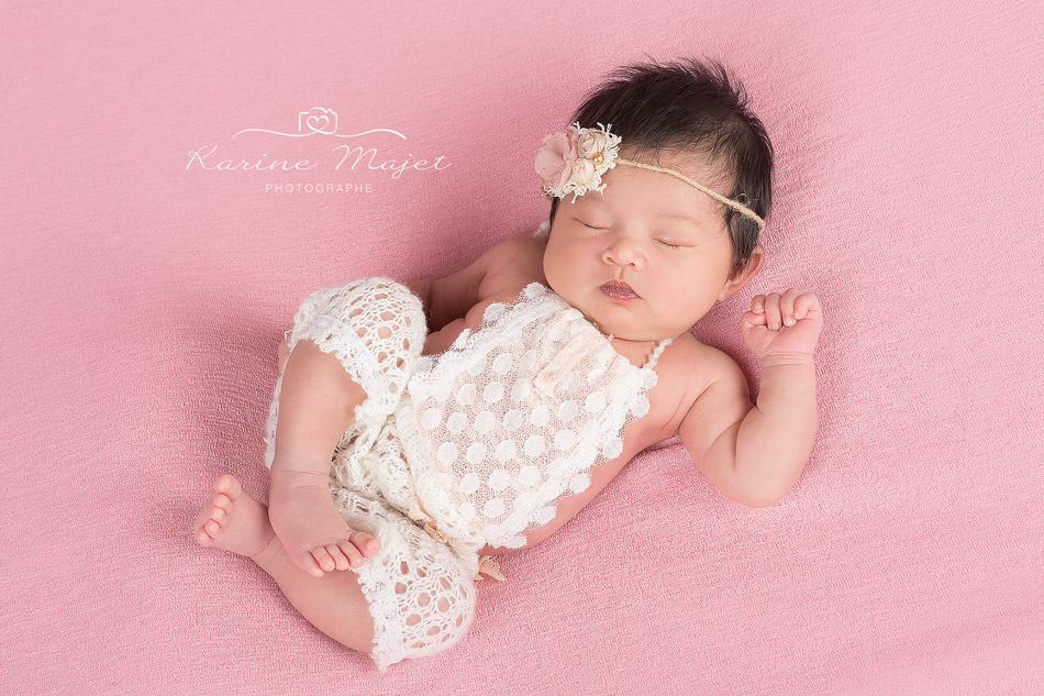 newborn photo session Antony cute baby girl photo studio