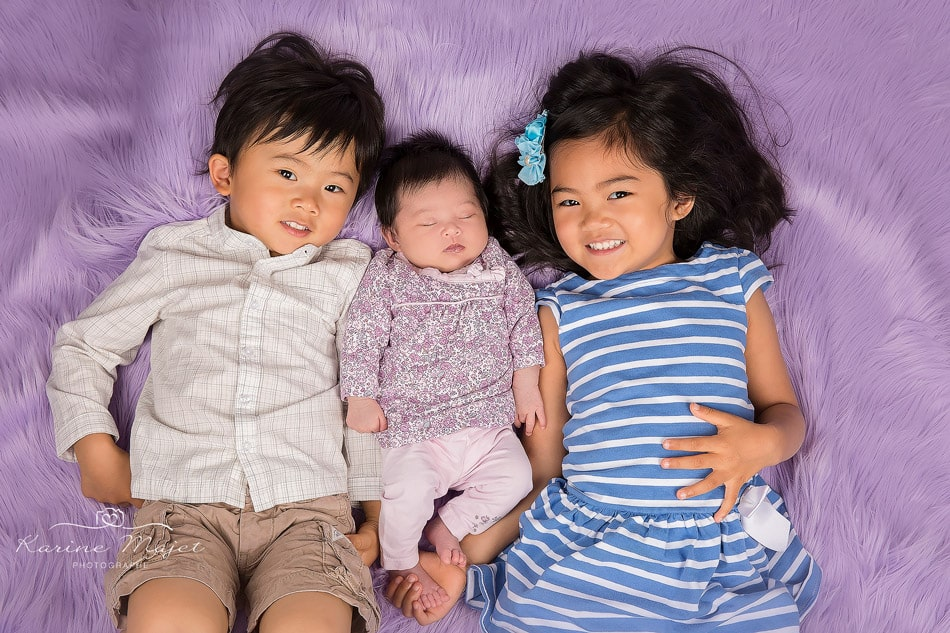 newborn photo session Antony baby and siblings